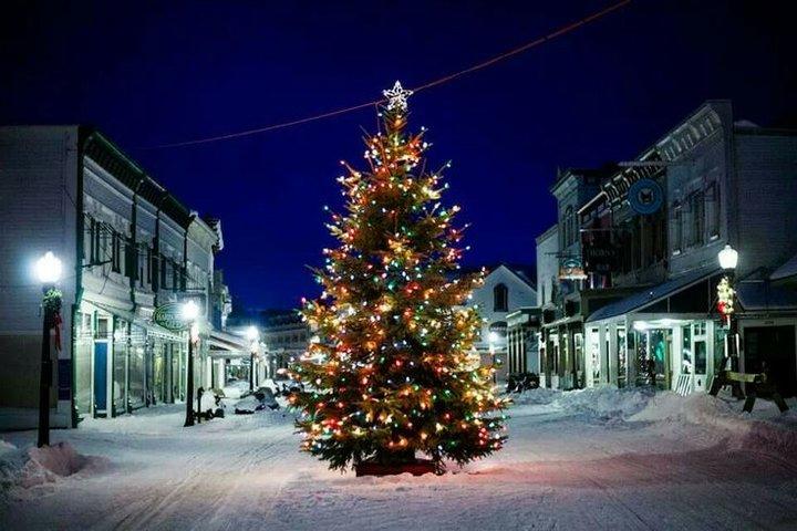 Murdick's Fudge Mackinac Island Tree Lighting
